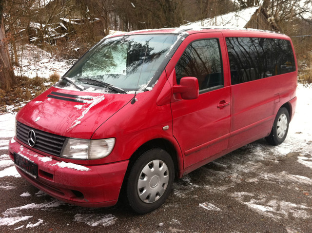 Mercedes-Benz__Vito_Red.JPG