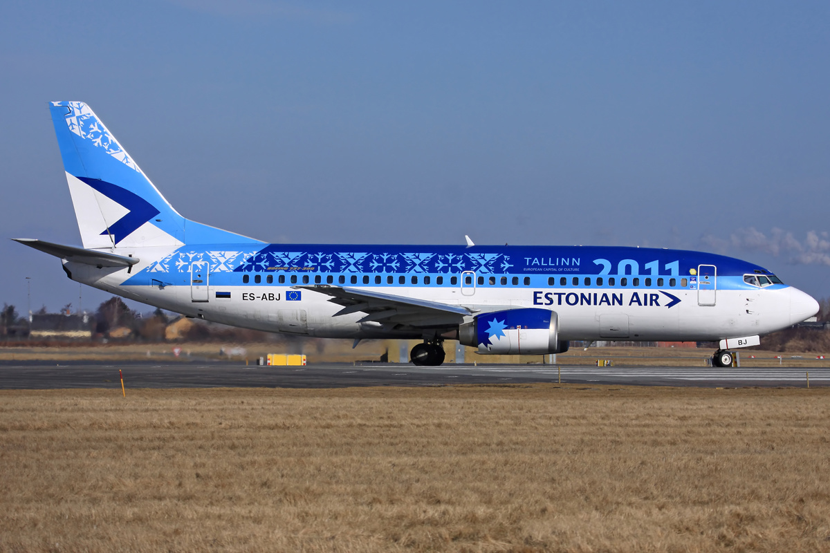 Estonian_Air_Tallinn_2011_737-33R.jpg